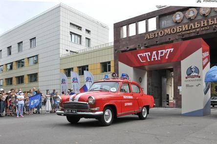 Парад классических автомобилей прошел в Нижнем Новгороде