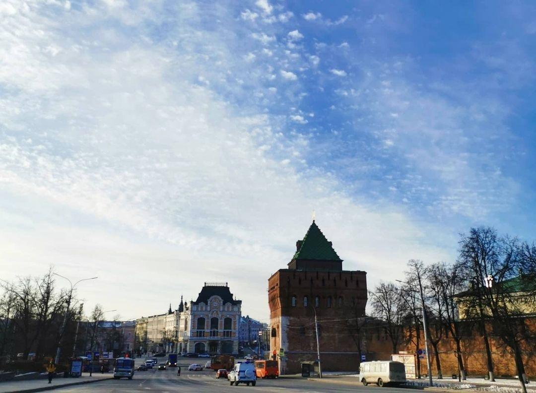 Площадь Минина и Пожарского освободили от неиспользуемых проводов - фото 1