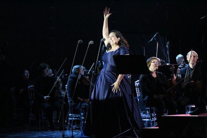 Звезды мировой оперы выступили на Стрелке - фото 11