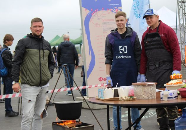 Три вида ухи и лодка в подарок: в Нижнем Новгороде стартовал фестиваль рыбалки - фото 26