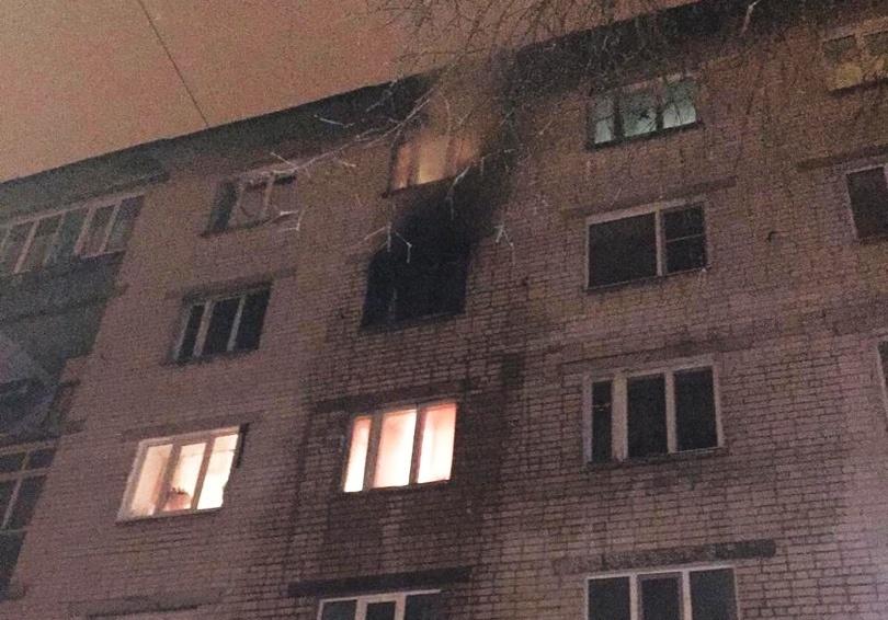 24 человека спасли в Автозаводском районе во время пожара на улице Мончегорской - фото 1