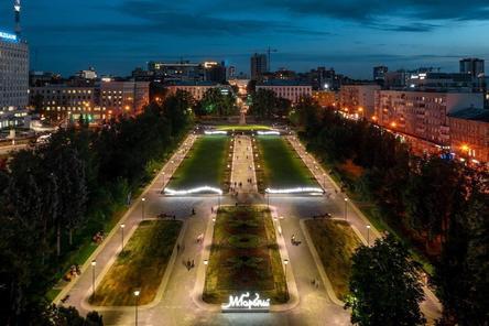 Нижегородец сфотографировал с высоты, как выглядит площадь Горького в темное время