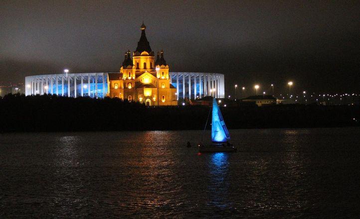 «Театр парусов» и 40-минутный фейерверк: яркое завершение Дня города в Нижнем Новгороде - фото 13