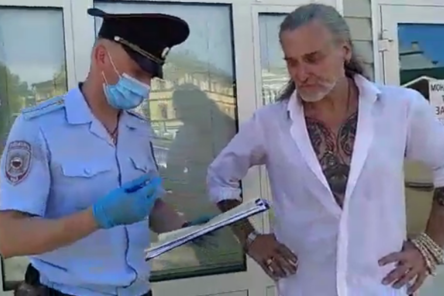 Никита Джигурда вслед за Волочковой приехал в Дивеево и пообщался с полицией