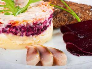 Как появился салат «селедка под шубой»