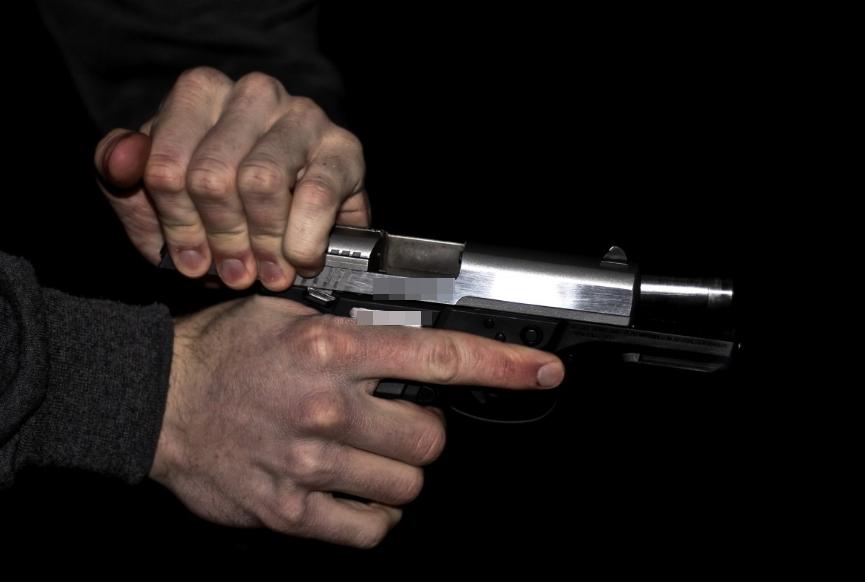 Нижегородец устроил стрельбу в прохожих из-за пачки сигарет