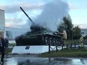 Танк Т-34 горел в Нижегородской области