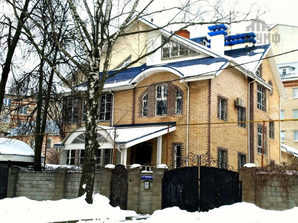 Огромный коттедж за 70 млн рублей продают недалеко от центра Нижнего Новгорода - фото 1