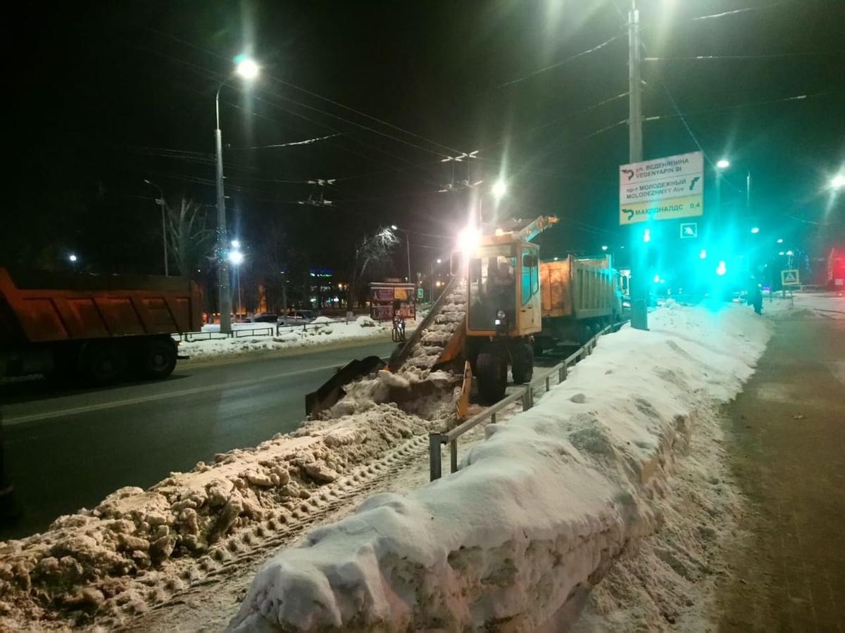 Стали известны планы по уборке снега в Автозаводском районе в предстоящие выходные - фото 1