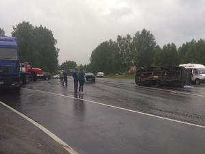 Один человек погиб и трое пострадали при столкновении «ГАЗели» с грузовиком под Вачей