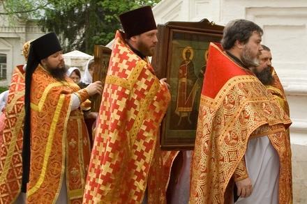 Сколько зарабатывают российские священники, и как устроиться работать в церковь