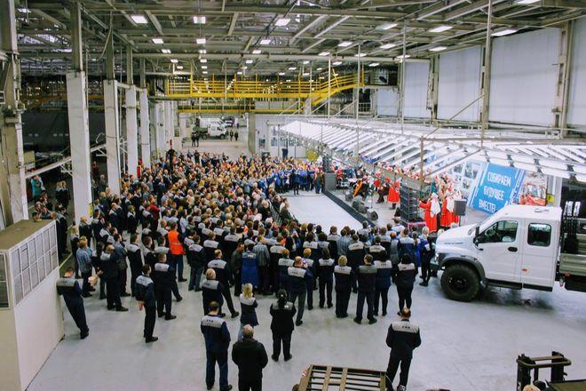 Построенный для легендарного ГАЗ-66 конвейер отметил     45-летие  - фото 14